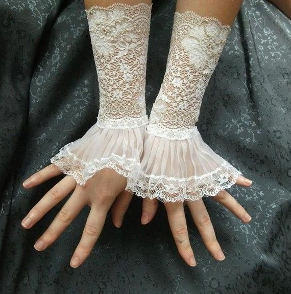 Made of amazing white stretchy french lace and special organza lace  --------------------------------- Send out your messages of passion ---------------------------------  UNIQUE ADDITION to your outfit, This cuffs are perfect for your wedding gown!  Ladies size - small. Looks best on arms that measure 15-16cms circumference.  To purchasing this item in other size (M,L)- please contact me.  Care advices:  IMPORTANT: please pay attention not to pull too much the ORGANZA lace while wearing the…