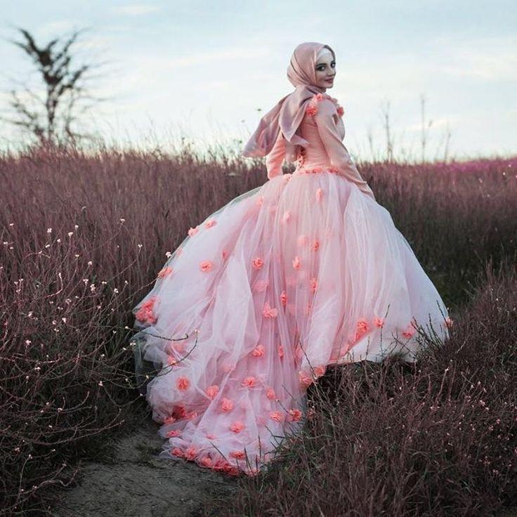 Beautiful dress by Tasmila
