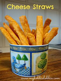 My Hobbie Lobbie: Cheese straws .... a late start to the new year !
