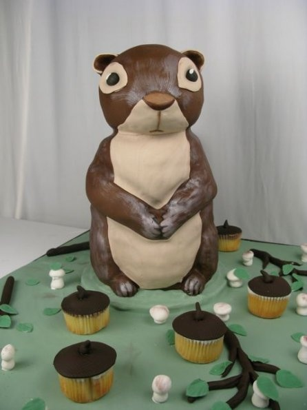 Holy squirrel cake with cupcake acorns! My friend's wife ...