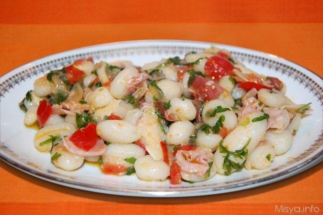 Gnocchi prosciutto rucola e parmigiano. Scopri la ricetta: http://www.misya.info/2013/01/25/gnocchi-prosciutto-rucola-e-parmigiano.htm