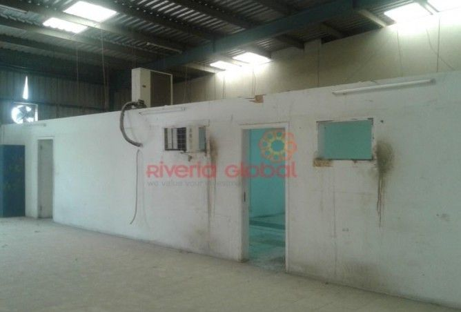 45,000 Sq Ft Openland With 26,000 Sq Ft Bua in Al Quoz for lease !