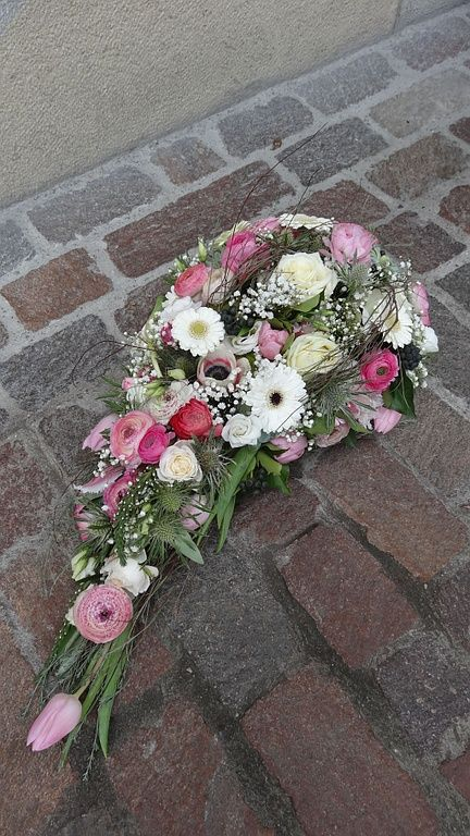 Sympathy Wreath | all manner of flowers | plant | living | Olten