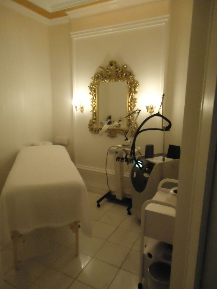 30 best images about facial room on pinterest facial - Decoration salon photo ...