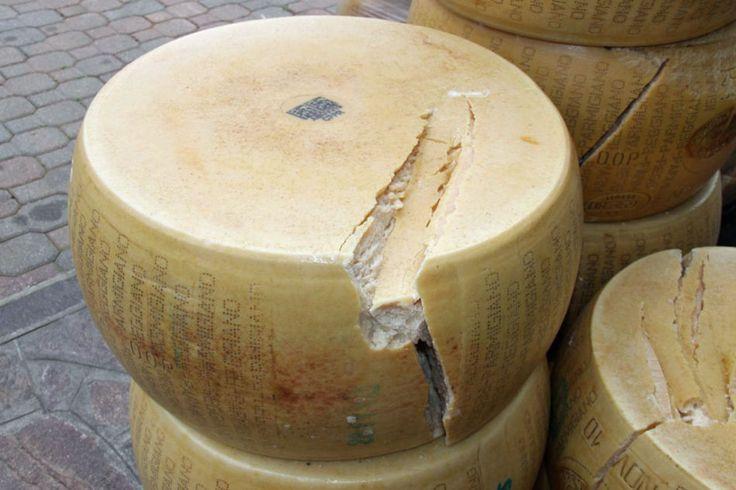 kola sýru Parmigiano-Reggiano/ilustr. obr.-Foto:Robert Mikoláš