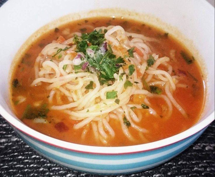 Rezept Tomatensuppe mit Shirataki- Nudeln von Rauline07 - Rezept der Kategorie Suppen