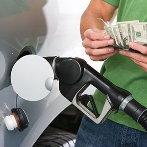 reasons behind the changes of gasoline prices This year, however, consumers are getting a break from a warm winter and falling prices for natural gas, which have lowered overall energy costs that could change if it's an unusually hot summer and cooling bills skyrocket, but for now, many americans are able to maintain their spending on other things.