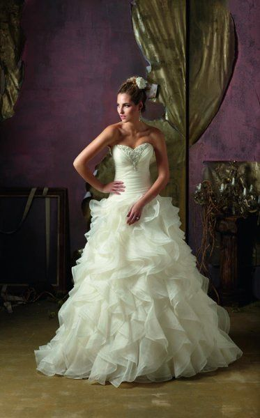 aaaand i like this one too.: Idea, Ball Gowns, Wedding Dresses, Dresses Styles, Organza Weddings Dresses, Bridal Gowns, Weddings Dresss, Dresses Weddings, Ruffles