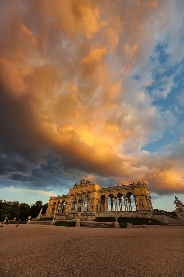Schonburnn, Vienna, Austria I must go there