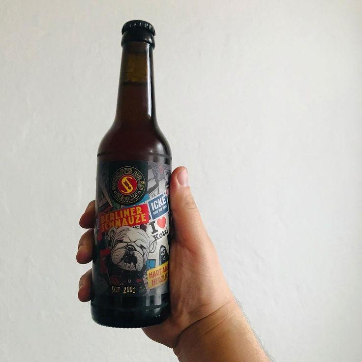 Schoppe Bräu – Berliner Schnauze // Dark Lager & offizielles Bier der Berliner Polizeihunde. Wuff! ——— #schoppebräu #schoppe #berlinerschnauze #darklager #darkbeer #lager #bottle #craftbeer #beer #drinkoftheday #drinkstagram