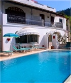 A scenic 3-star hotel in mediterranean style on the island of Ischia.  The Hospitality is traditional at the Ape Regina for a holiday of rest and sea.