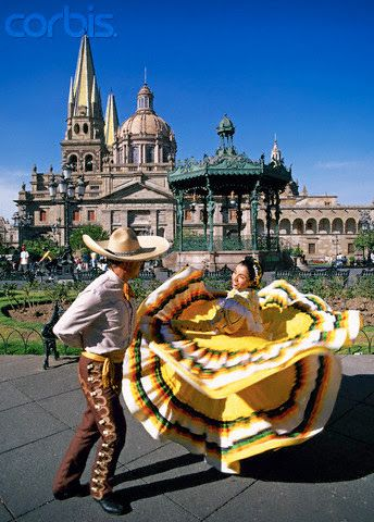 Traje Regional de #Guadalajara #Jalisco #Mexico Que Belleza! Michael Castillo  Tour By Mexico - Google+