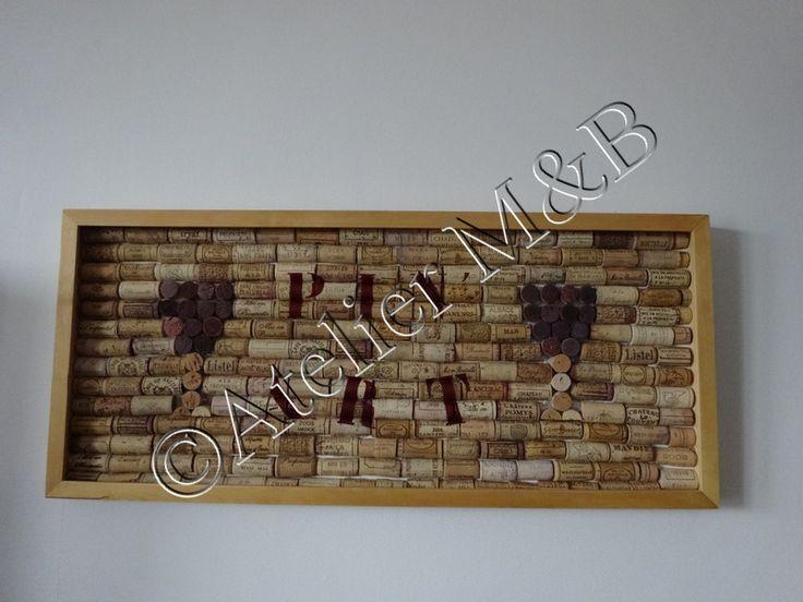 """Tableau déco ou mémo mural en bouchons de liège Pin Art : l'esprit """"Pinard"""" & pin la traduction d'épingler #pin #epingler #wine #vin #bois #wood #deco #original #bouchons #liège #cork #verreapied #pinard #pensebete #atelierm&b #upcycling #recycing #recycler #recup"""