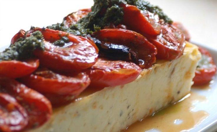 Ricotta al forno con pomodori e pesto di olive