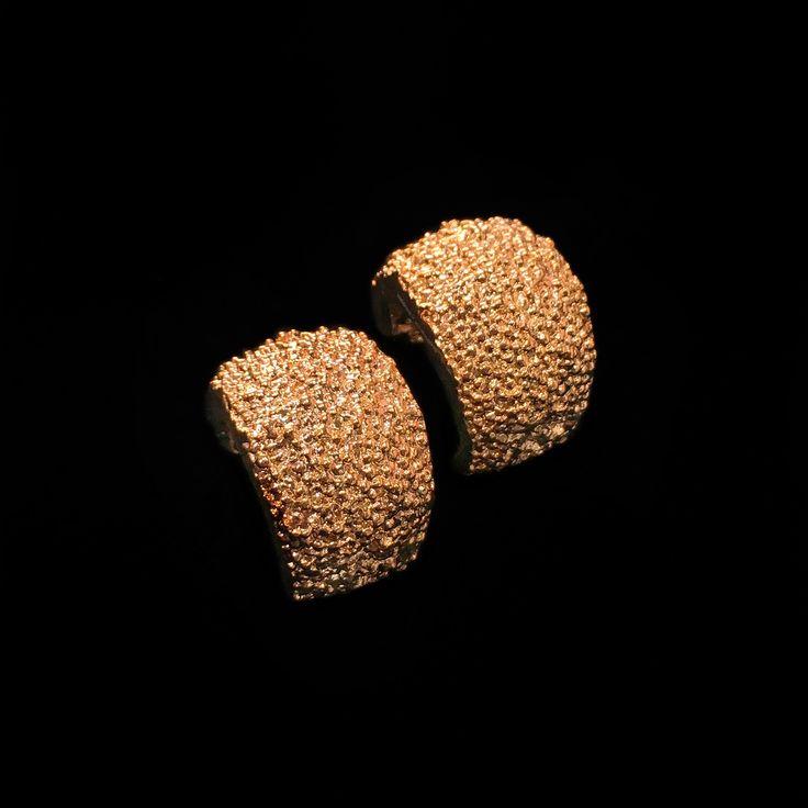 Barney Barnato Caviar Collection: Texture, character and intensity soon in our website... Texturized Rose Bronze Earrings Textura, carácter e intensidad pronto en nuestra página web... Pendientes en Bronce Texturizado Rosa #BarneyBarnato #Caviar #Earrings