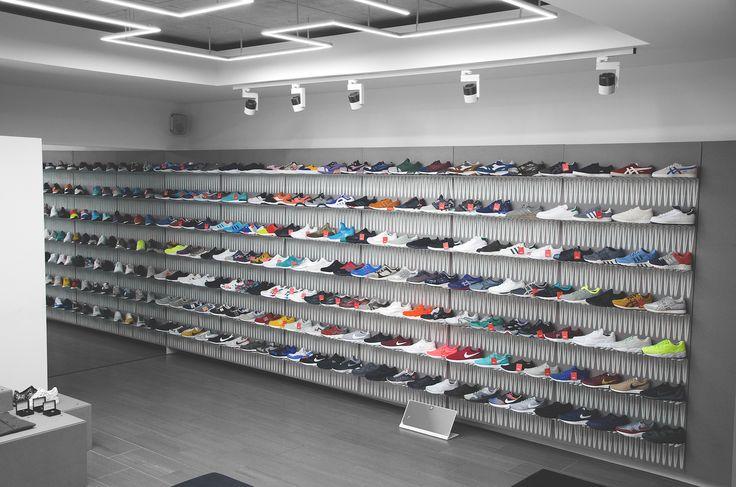 http://www.mate-store.com/wp-content/uploads/2014/04/MATE-store-sneaker-boutique-2-Kopie.jpg