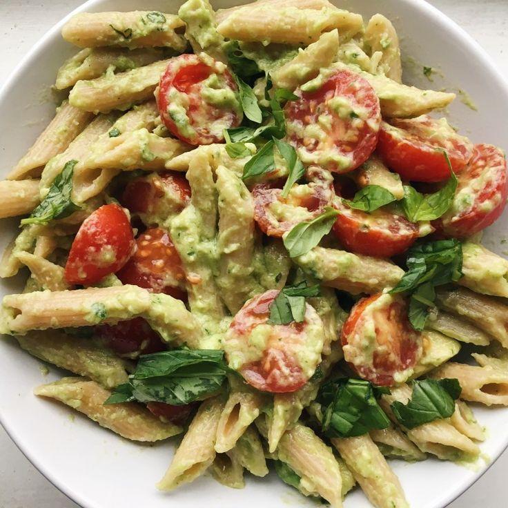 Schnelle und einfache Basil Avocado Pasta