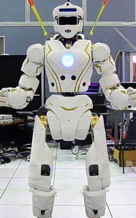 nasa humanoid robot - 450×720