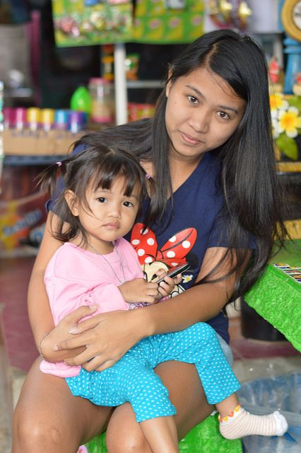 the foreign photographer - ฝรั่งถ่ - pretty young woman with child | Flickr - Photo Sharing!