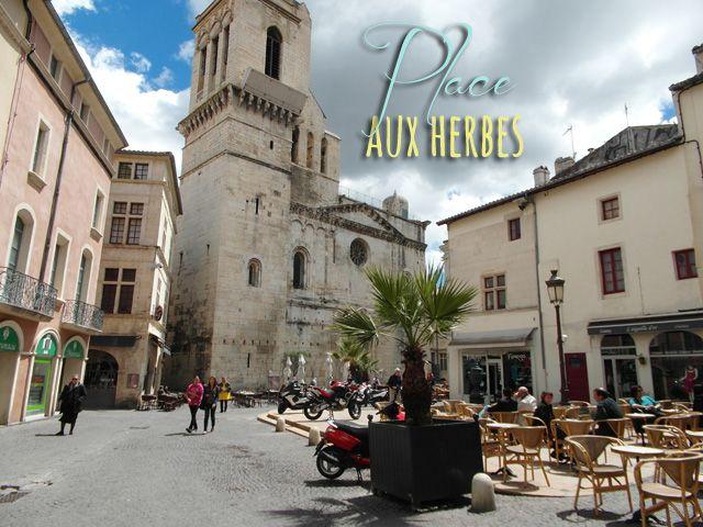 Place Aux Herbes, Nîmes, Provence, France