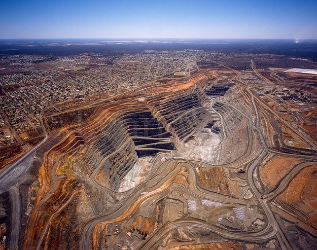 THE SUPER PIT | Community Post: SIX REASONS THE GOLDEN OUTBACK NEEDS TO BE ON YOUR BUCKET LIST