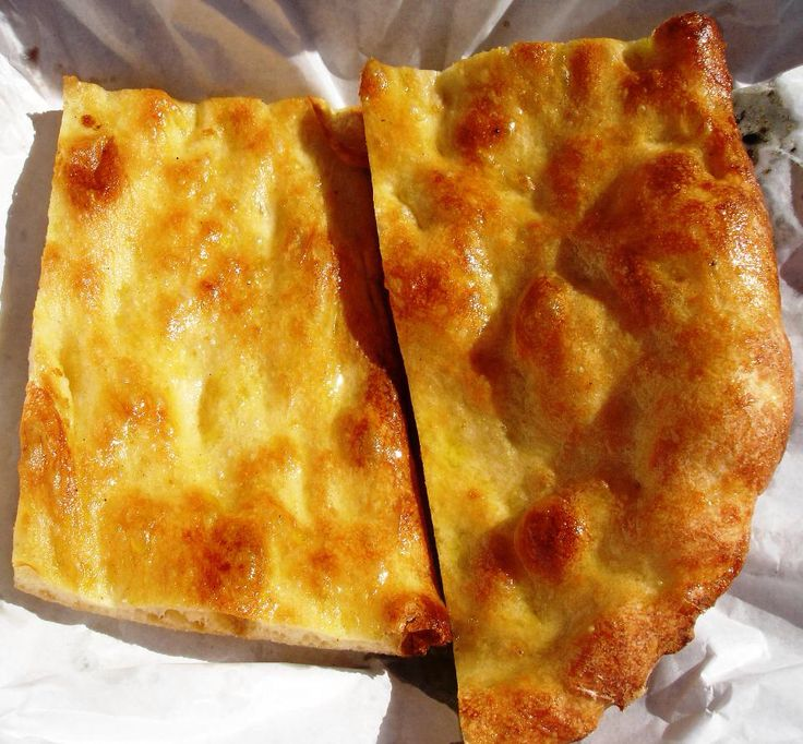 """La pizza bianca """"scrocchiarella"""" di Piazza Campo de'Fiori"""
