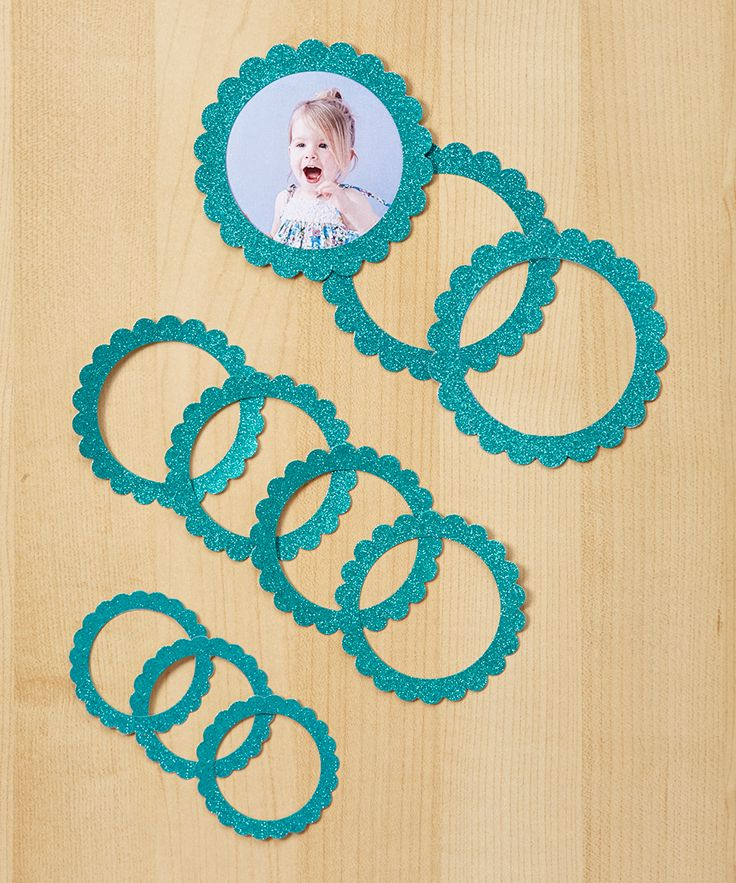 Teal Glitter Dust 40-Pc. Scallop Circle Frame Set