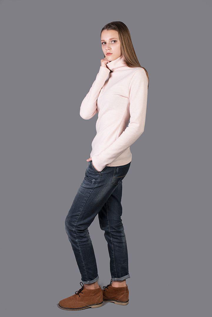 Универсальный по своему стилю гольф нежно-розового оттенка создаст вокруг вас ауру женственности. Эта вещь способна сделать ваш будничный образ изысканным и романтичным. #elegant #street #fashion #dress #dresscode #style #casual #chic #women #clothes #wear #inspitation #prom #sale #fancy #pretty #everyday #classy #outfit #designer #gift #beauty #girl #best #collection #musthave #fashionable #одежда #стиль #мода
