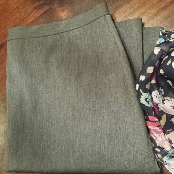 """Old Navy Stretch Professional Gray Skirt 14 Zipper Back, Slit in Back. Shell: Cotton, Polyester, Lycra Spandex; Lining: 100% Polyester Length = approximately 23"""" Waist laying flat = approximately 17"""" Old Navy Collection Skirts Midi"""