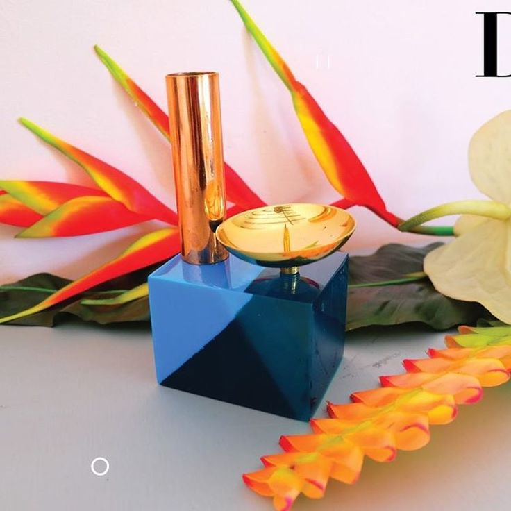 One of our statement candle holder design , a double container of candles finished with gold and rose gold plated brass .  #studioharu #candleholder #decoration #homeandliving #homedecor