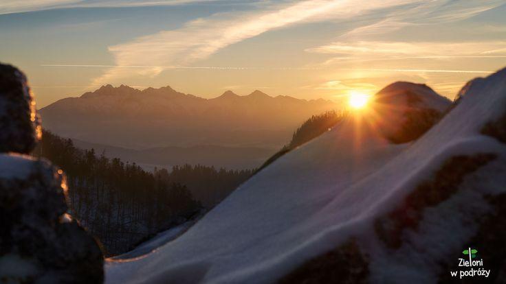 Tatry w zachodzącym słońcu. Widok z Sokolicy