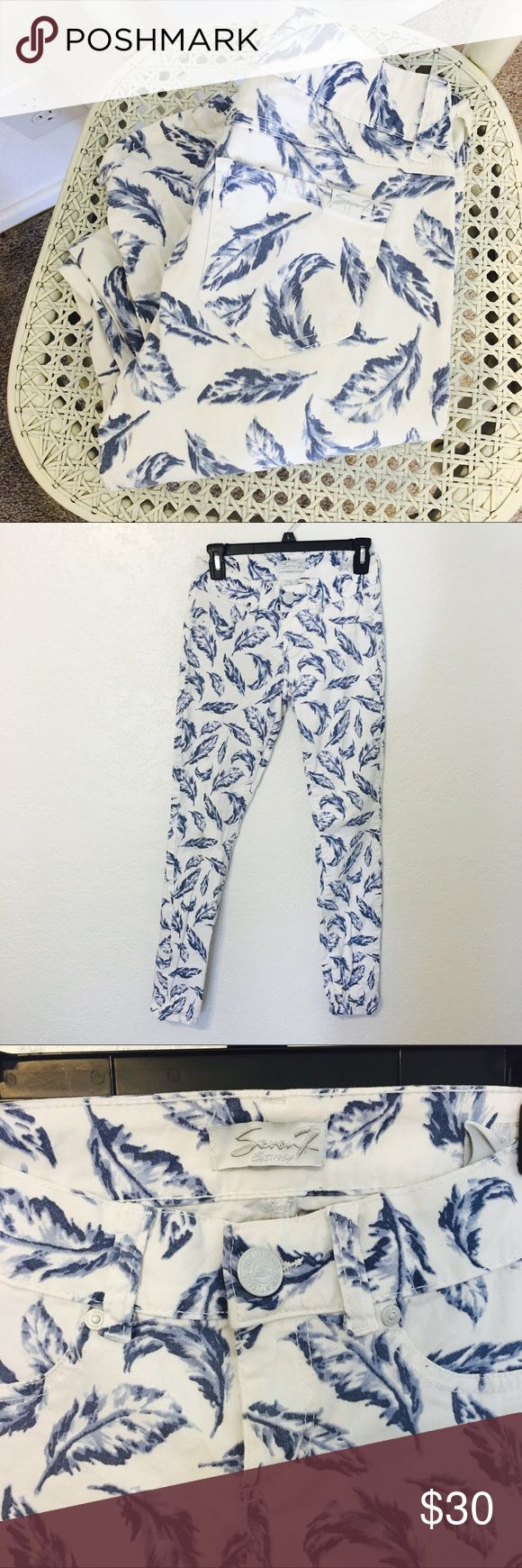 Seven7 leaf print jeans RARE white seven7 jeans with blue feather print. So cute and perfect for summer and transitioning to fall. Size 2 Seven7 Jeans