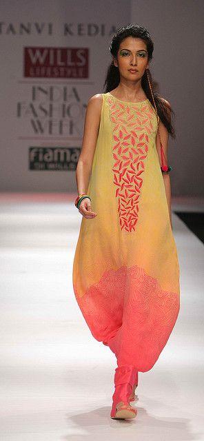WIFW SS'10 - Day 5 - Tanvi Kedia's Show | Flickr – Condivisione di foto!