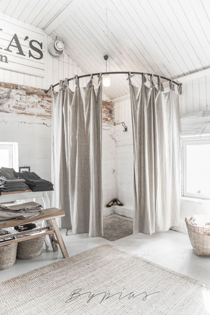 Best 35 Clothing Boutique Interior Design Ideas You Need To Try