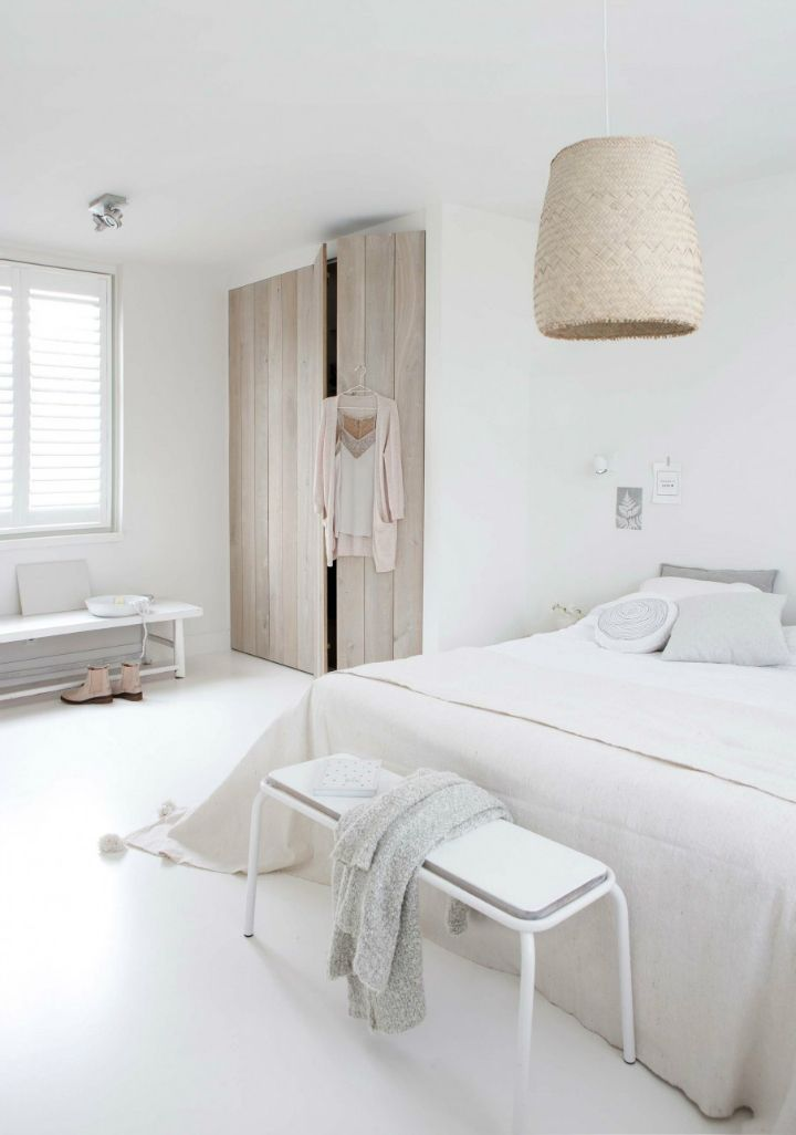 Sophisticated White-Themed Home 10