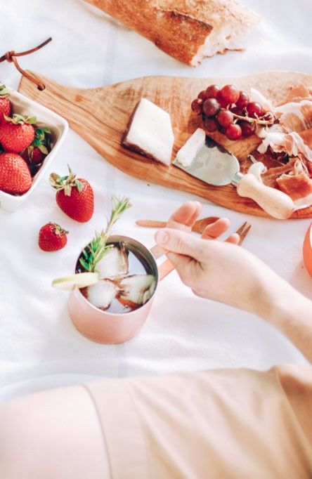 Cheese boards and Moscow Mule recipes are a perfect pair for Summer picnics.