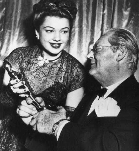 "1947 Oscars: Anne Baxter, Best Supporting Actress for ""The Razor's Edge"" (1946) with Lionel Barrymore"
