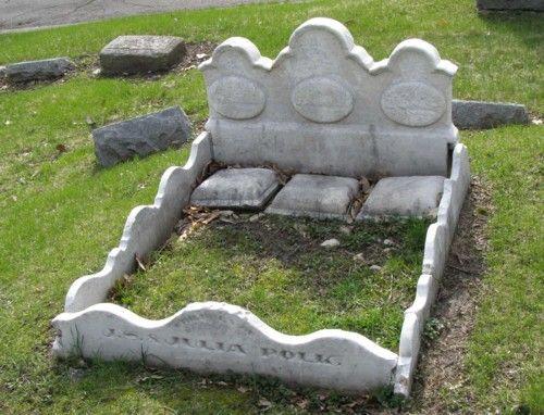 triple bed grave stone  Woodland Cemetery  Des Moines, Iowa