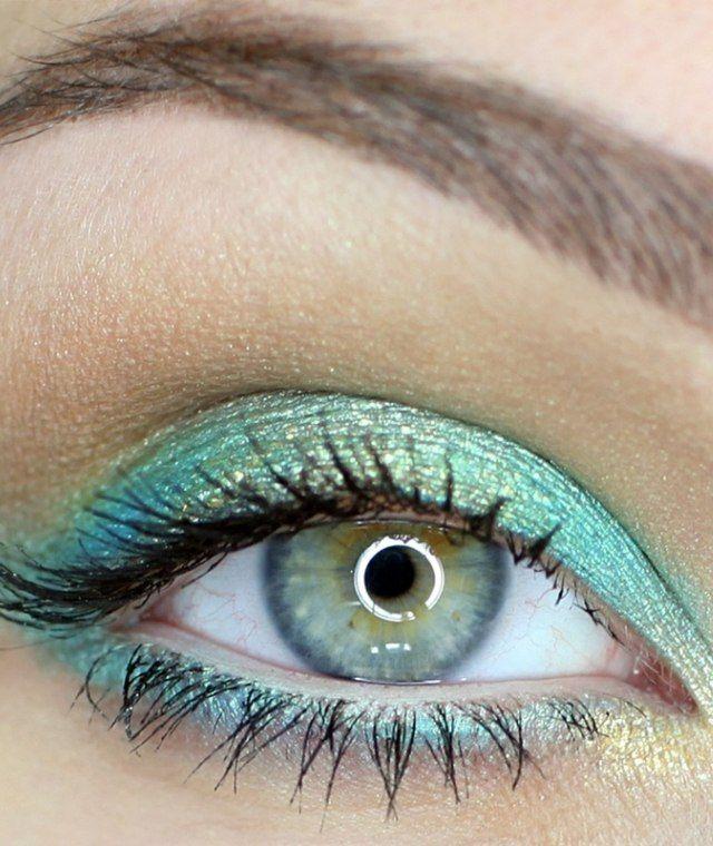 Augen grün blaue Farbe schminken