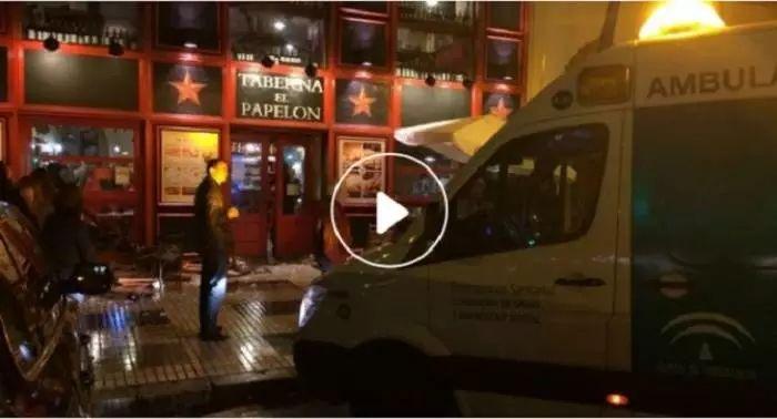 VIDEO - Guerriglia a Siviglia. Grave tifoso juventino