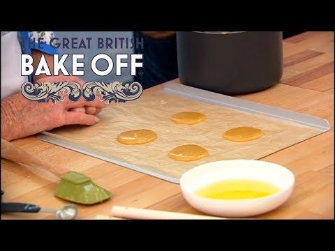 ▶ How to Make Home-Made Brandy Snaps - Mary Berry of The Great British Bake Off - YouTube.