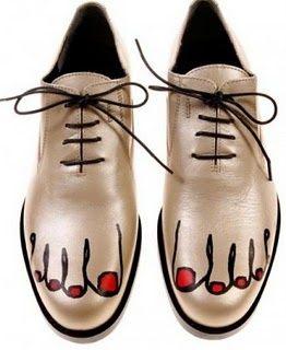 -Comme des Garçons-  'gold toes shoes' (2009)