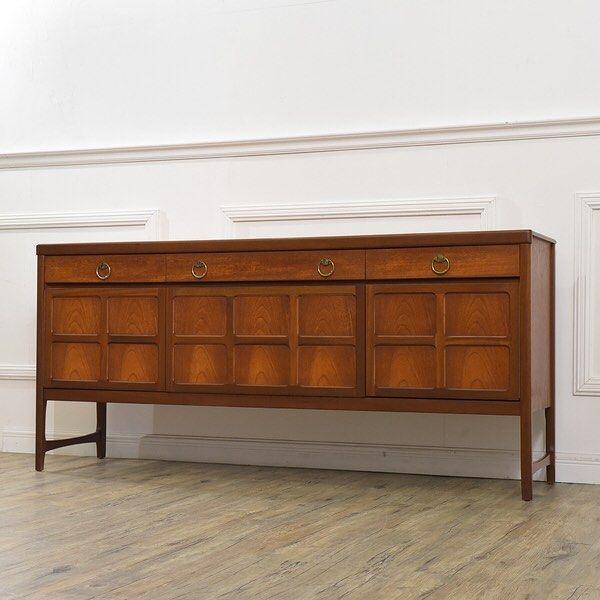 イギリスミッドセンチュリーを代表する家具ブランドの一つnathan