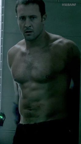 Alex O'Loughlin Topless Tuesday – How long has it been??