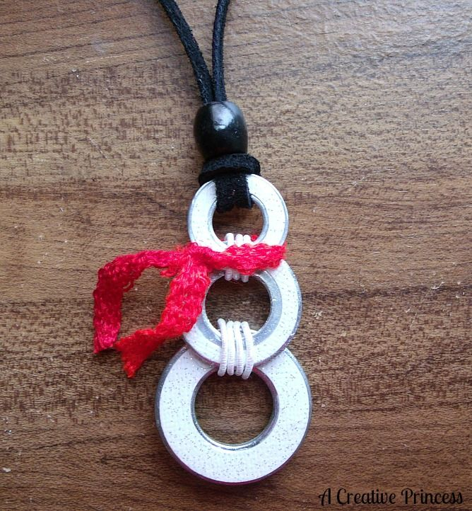 Cute snowman necklace made out of washers.  From A Creative Princess.