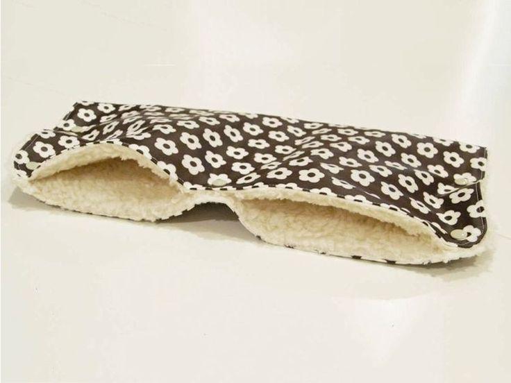 DIY tutorial: Sew a Hand Muff for a Buggy via DaWanda.com