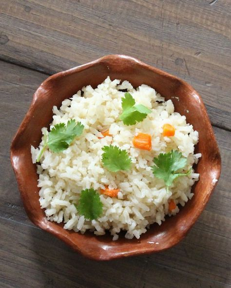 Mexican white rice | Arroz blanco Lola's Cocina