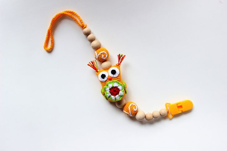 Pacifier clip boy/girl Baby pacifier holder Soothie pacifier clip Wooden crochet pacifier clip Binky Holder Baby Teething Pacifier Clip by TildaArt on Etsy