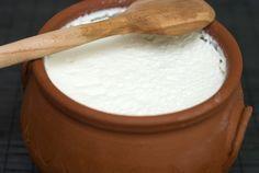 Iaurt de casa.Iti place, cu siguranta, gustul autentic al iaurtului pe care il mancai in casa bu...