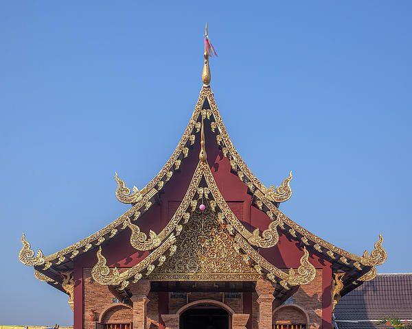 2013 Photograph, Wat Yang Kuang Phra Wihan Gable, Tambon Haiya, Mueang Chiang Mai District, Chiang Mai Province, Thailand, © 2014.  ภาพถ่าย ๒๕๕๖ วัดยางกวง หน้าจั่ว พระวิหาร ตำบลหายยา เมืองเชียงใหม่ จังหวัดเชียงใหม่ ประเทศไทย